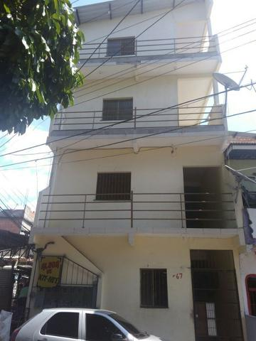 Prédio com 12 apartamentos na Compensa/ Próximo ao Ilha Gelada/CO/Ponte do Rio Negro