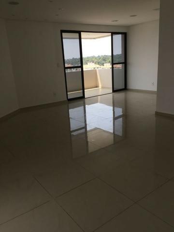 Apartamento Grande, de Alto Padrão, no Tiradentes, 3 qts, 2 vgs
