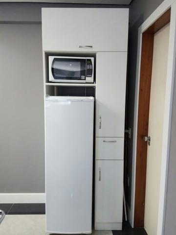 Armário p copa geladeira e microondas
