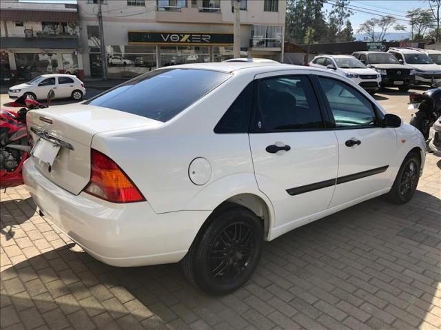 Ford Focus 2.0 Ghia Sedan 16v - Foto 6