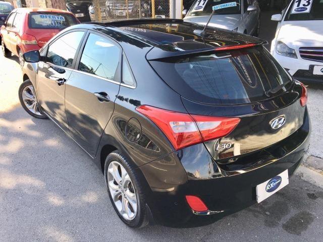 Hyundai i30 1.8 Top de linha Teto solar, Chave presença, Banco elétrico, ar digital - Foto 4