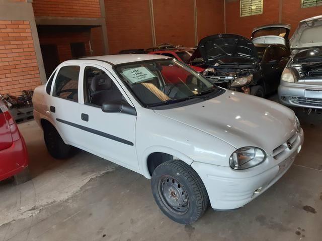 Sucata carroceria corsa sedan - Foto 2