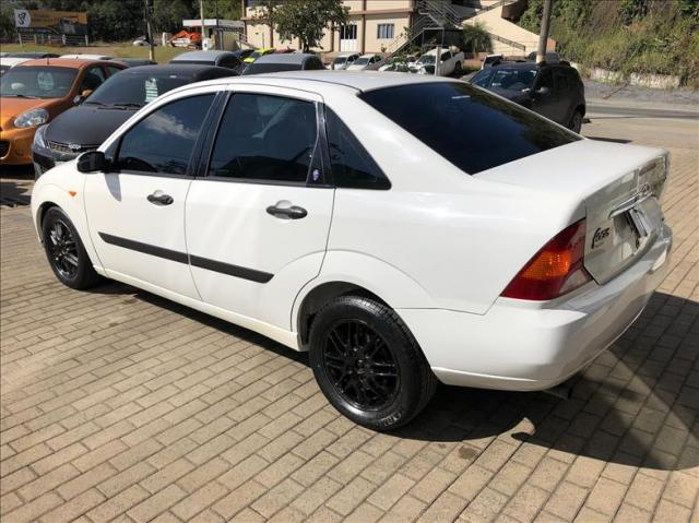 Ford Focus 2.0 Ghia Sedan 16v - Foto 4