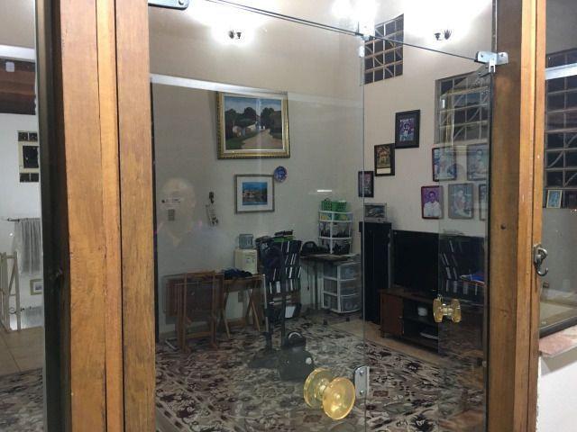 Casa de 5 quartos, sendo 1 suíte, no bairro Santa Efigênia em BH - Foto 10
