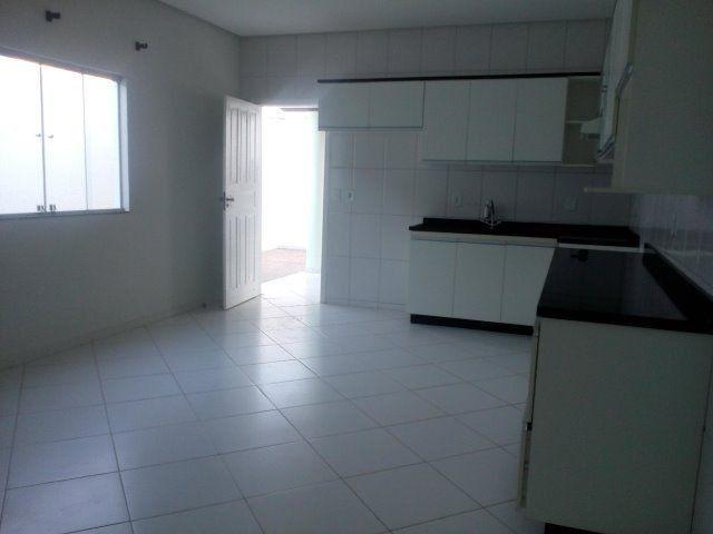 Linda Casa Duplex 4 quartos, construção recente, próx. à Av Getúlio Vargas e à Delegacia - Foto 9