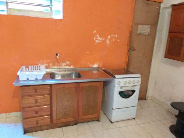 Casa-Kitnete na cic ,Para 1 Pessoa!! Mobiliada! incluso água e luz! R$ 420,00 - Foto 4