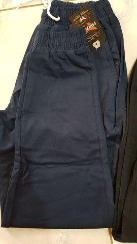 Calça azul marinho