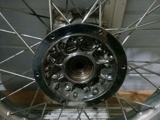 Roda traseira Yamaha DT 200R freio a disco original eninco +pneu trilha Michelin seminovo - Foto 2