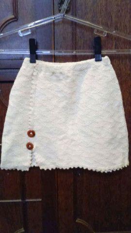 Conjunto de mini-saia e top de tricô de fio de algodão cru (artesanal). - Foto 4