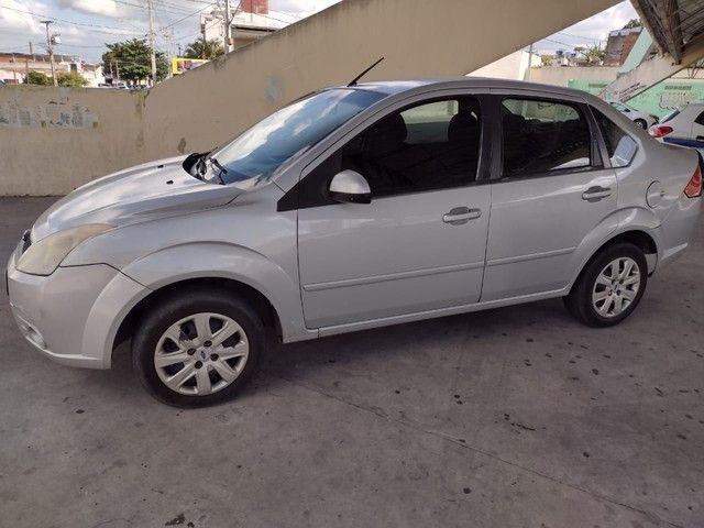 Ford Fiesta sedan 1.0  - Foto 2