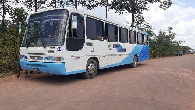 Vendo ou troco um ônibus 42 mil - Foto 2