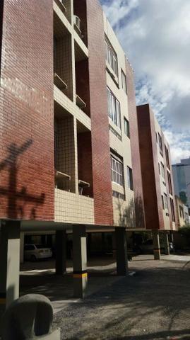 Apartamento mobiliado c/ 2 Quartos sendo 1 suíte em Boa Viagem