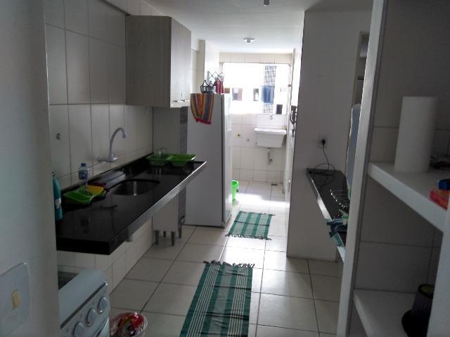 Apartamento Mobiliado de 2 Qts, 1 Suite e Outra Reversível, Ponta Verde