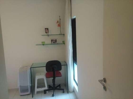 Vendo excelente apartamento todo reformado e mobiliado com garagem coberta 2/4 no planalto - Foto 7
