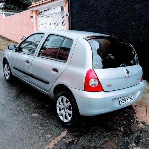 Clio 1.0 8 Válvulas ano 2007 - Foto 2