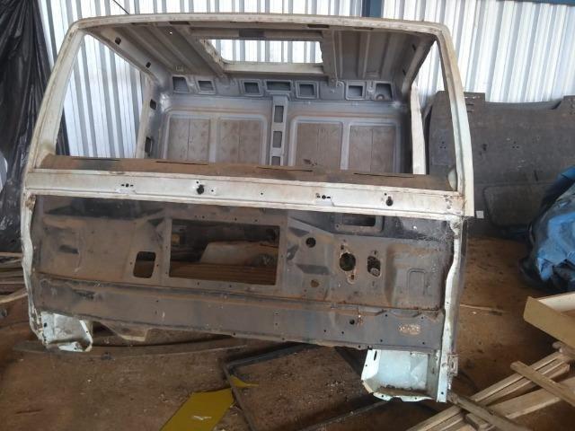 Cabine caminhão Ford