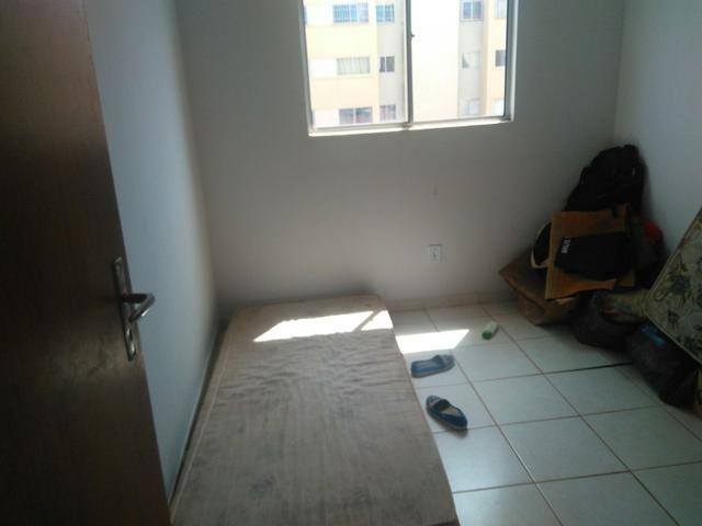 Quarto p dormir c/ wi-fi+ Maq.lavar+geladeira+ fogão gás - Foto 3