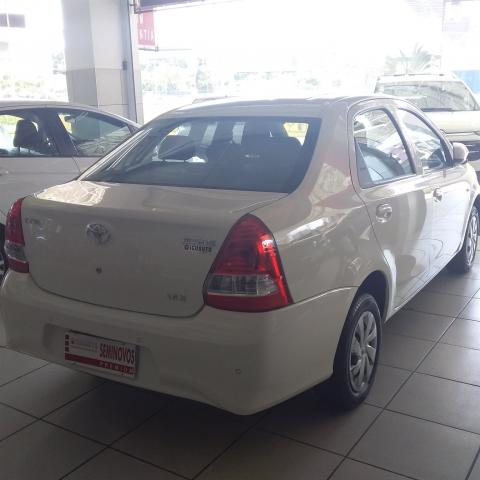 TOYOTA ETIOS 2017/2018 1.5 X SEDAN 16V FLEX 4P MANUAL - Foto 3