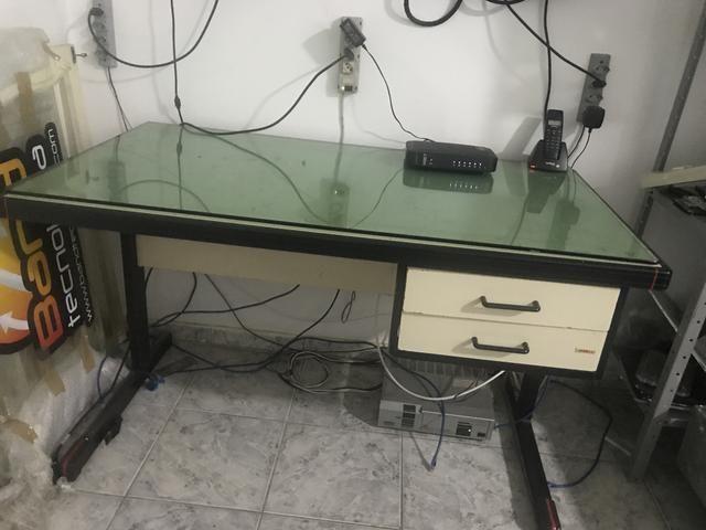 Mesa simples escritório
