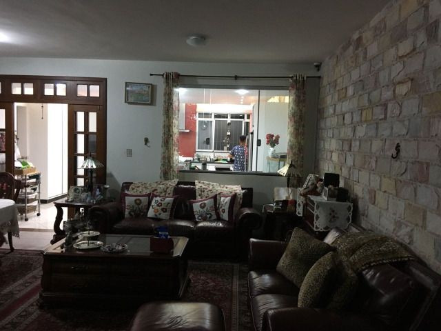 Casa de 5 quartos, sendo 1 suíte, no bairro Santa Efigênia em BH - Foto 2