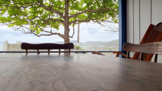 Casa pé na areia  locação de temporada com 4 dormitórios no Perequê - Cód. 73AT - Foto 4