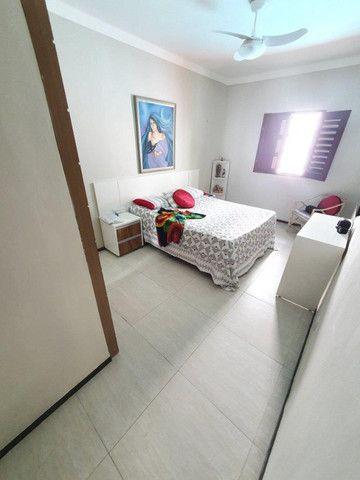 Excelente casa plana, solta, com amplo terreno e piscina, reformada, no Vila União - Foto 11