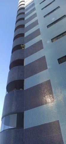 Apartamento em Manaíra com 3 quartos,  piscina e segurança na portaria. Pronto para morar