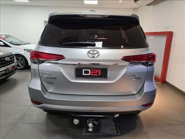 Toyota Hilux Sw4 2.7 Srv 7 Lugares 4x2 16v - Foto 6