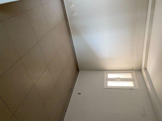 Apartamento no Brasil BEACH de 138 M2 3 suítes c/ Planejados, andar alto sol da manhã.