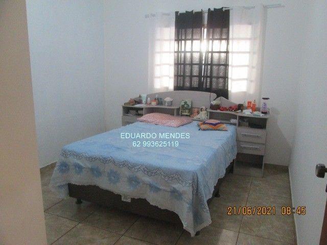 Casa 2/4, mas 2 barracões, lote de esquina 307 m², vila Operaria Anápolis  - Foto 2