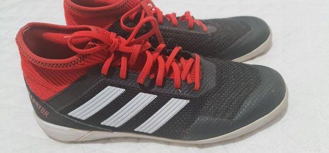 Chuteira Adidas futsal tam 38 - Foto 5