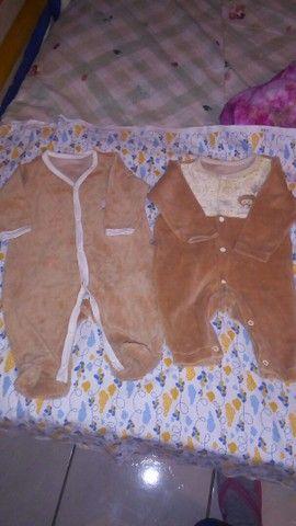 Roupas de bebê recém nascido até 7 meses de vários tamanhos e carrinho de bebê  - Foto 3