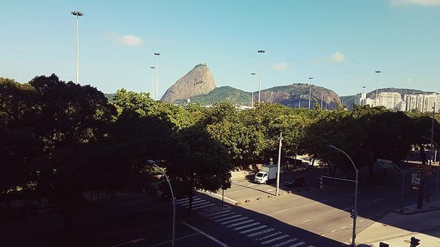 Apartamento com 260 metros, 3 quartos, vista livre para o Parque do Flamengo, 2 vagas de g