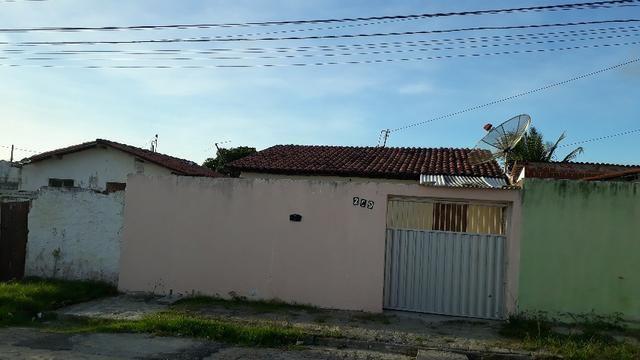 Casa no conjunto Cinza recebe carro e moto como parte da venda