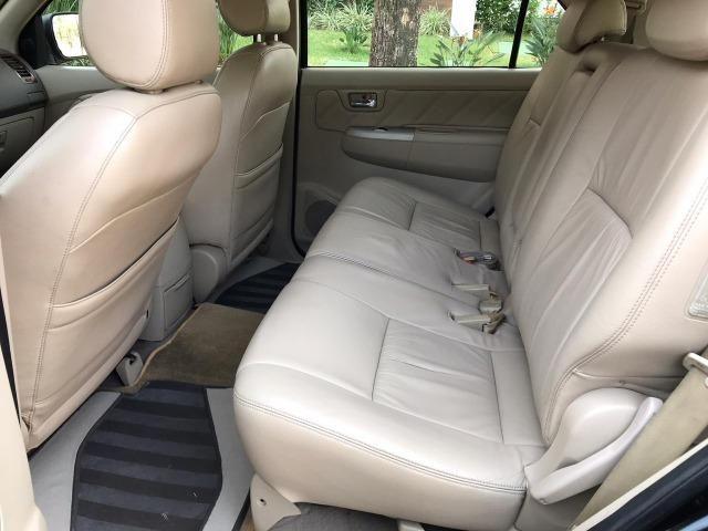 Toyota Hilux Sw4 srv 3.0 4x4 automatica - Foto 11