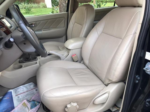 Toyota Hilux Sw4 srv 3.0 4x4 automatica - Foto 17