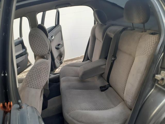 Chevrolet Astra CD 2.0 Sedan 2004 - Foto 13