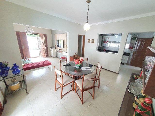 Excelente casa plana, solta, com amplo terreno e piscina, reformada, no Vila União - Foto 8