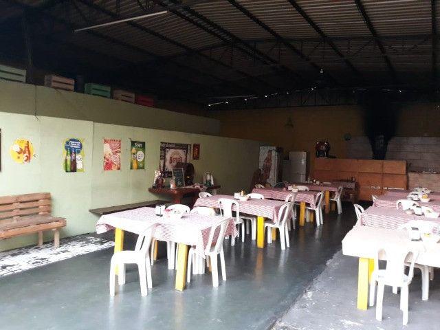 Casas + Galpão + salão comercial - Foto 4