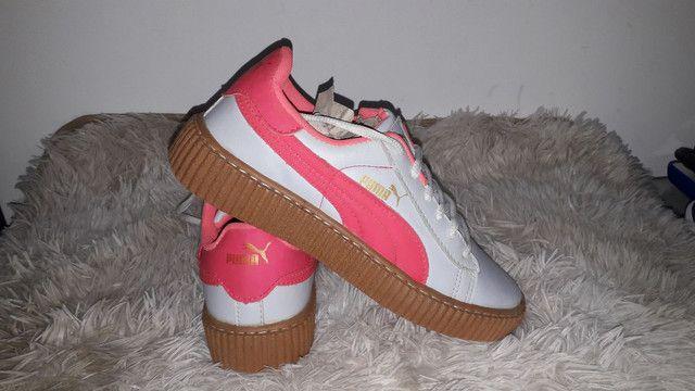 9 8 6 0 0 - 1 0 2 1 * Tênis puma novo na caixa cor branco e rosa - Foto 2
