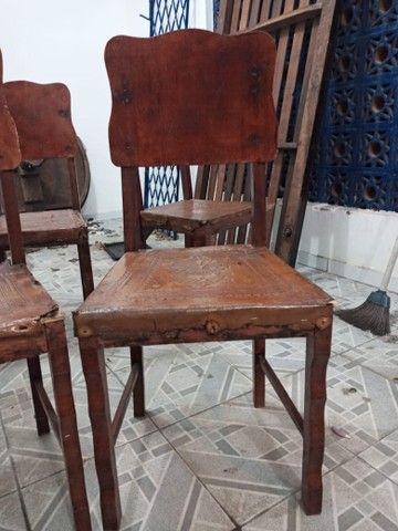 Cadeiras antigas - Foto 3
