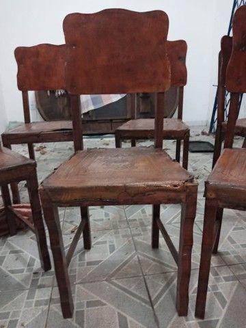 Cadeiras antigas - Foto 2