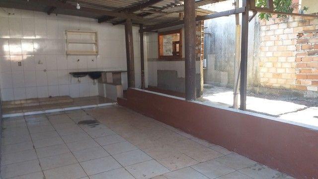 Vendo casa grande com 3 barracões no setor Serra Dourada 3 - Foto 4