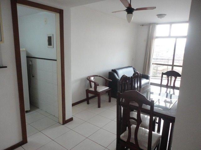 Ótimo apartamento de frente, mobiliado e com vaga de garagem, localizado no bairro de Fáti - Foto 4