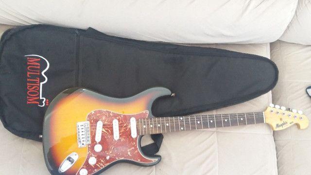Guitarra Menphis e caixa Sheldon
