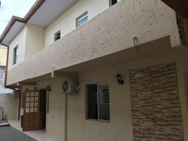 Casa 4 quartos junto ao mar Barra da Lagoa