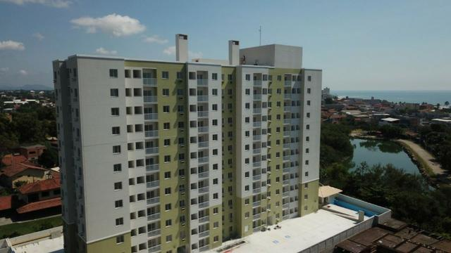 Apartamentos de 2 quartos, com varanda, próximo ao mar de Jacaraípe