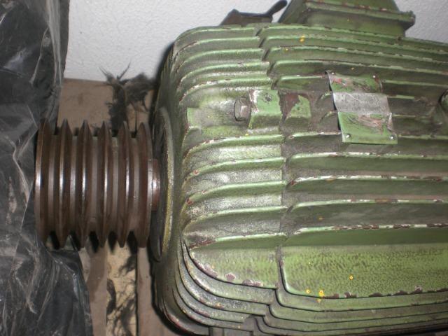 Motor elétrico WEG de 15 CV 880 RPM - 380v 660v - Foto 2