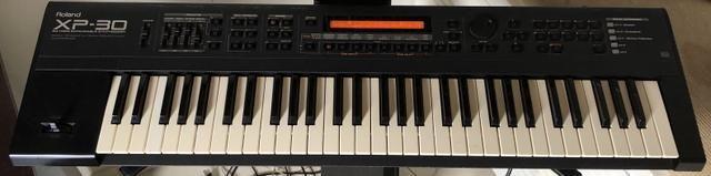 Teclado Yamaha DX7 Sucata - Instrumentos musicais - Bom Jardim
