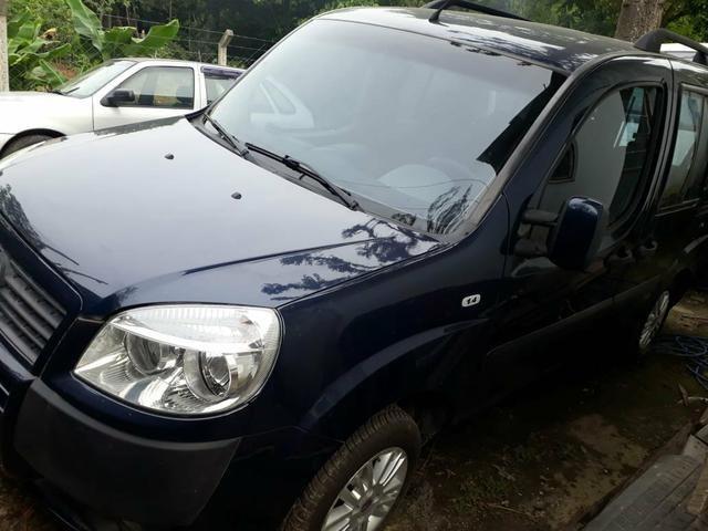 Fiat Doblo 1.4 6 lugares completa com GNV